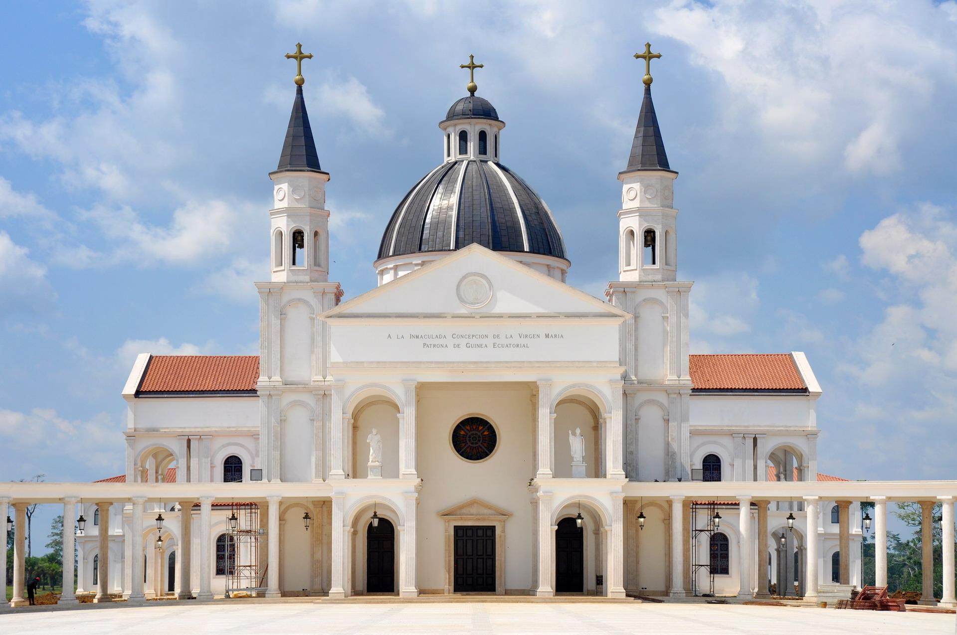 Cattedrale Mongomo 008